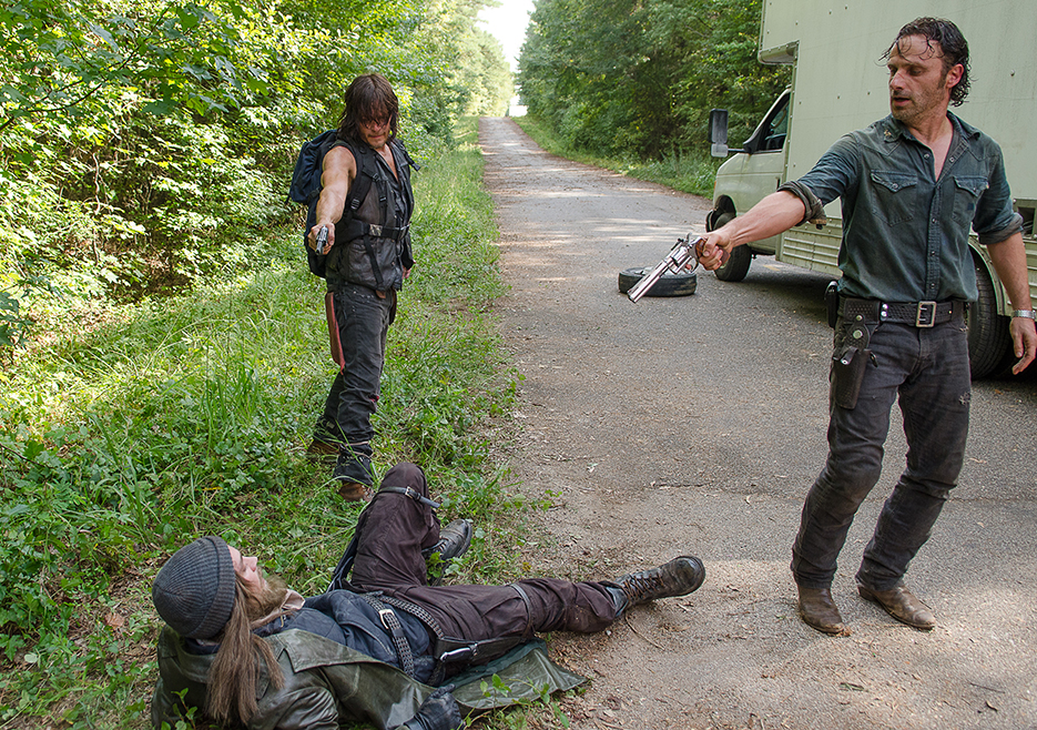 the-walking-dead-episode-610-rick-lincoln-2-935